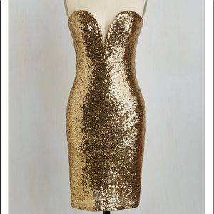 Sexy gold never worn with tags gold sequin dress
